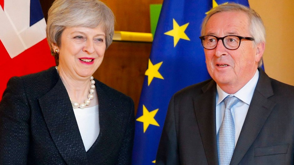 Theresa May und Jean-Claude Juncker am 11. März in Straßburg