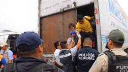 142 Menschen in einem Lkw entdeckt