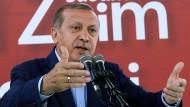 Erdogan bei einer Rede an der Sabahattin-Zaim-Universität am Sonntag in Istanbul