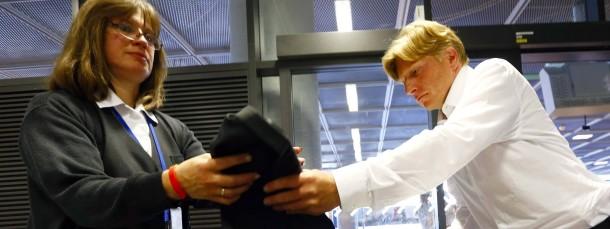 Zu nachlässig? Sicherheitskontrolle am Frankfurter Flughafen