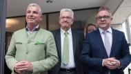 Schwierige Koalitionsverhandlungen im Ländle: Der baden-württembergische CDU-Landesvorsitzende Thomas Strobl (l-r), Ministerpräsident Winfried Kretschmann (Grüne) und der CDU-Fraktionsvorsitzende Guido Wolf am 6. April 2016 in Stuttgart