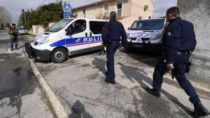 Mutmaßliche Terrorzelle in Frankreich ausgehoben
