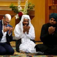 Muslime beten in einer Moschee in Manchester für die Opfer des Anschlags