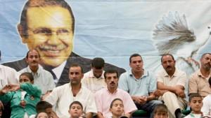 Algerier demonstrieren nach Anschlägen gegen Al Qaida