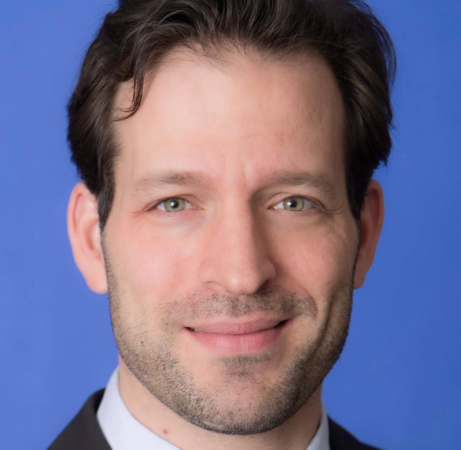 Dr. Cornelius Adebahr ist politischer Berater in Berlin sowie Policy Fellow der Alfred Herrhausen Gesellschaft.