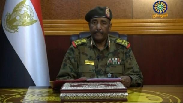 Sudans Militär kündigt Wahlen an
