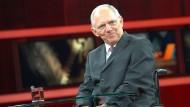 Schäuble verteidigt Vergleich mit Lawine
