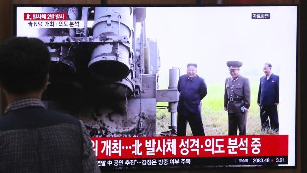 Nordkorea feuert wieder Geschosse über das Meer