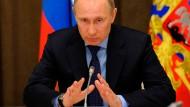 """Wichtiger als die """"Turbulenzen in den internationalen Beziehungen"""" sei das """"soziale Befinden"""" der Menschen: Wladimir Putin"""