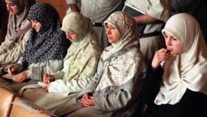 Muslimische Lehrerin darf nicht mit Kopftuch unterrichten