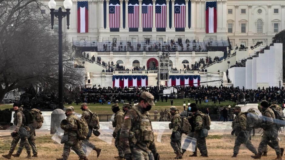Truppen der Nationalgarde sichern das Gebiet um das Kapitol