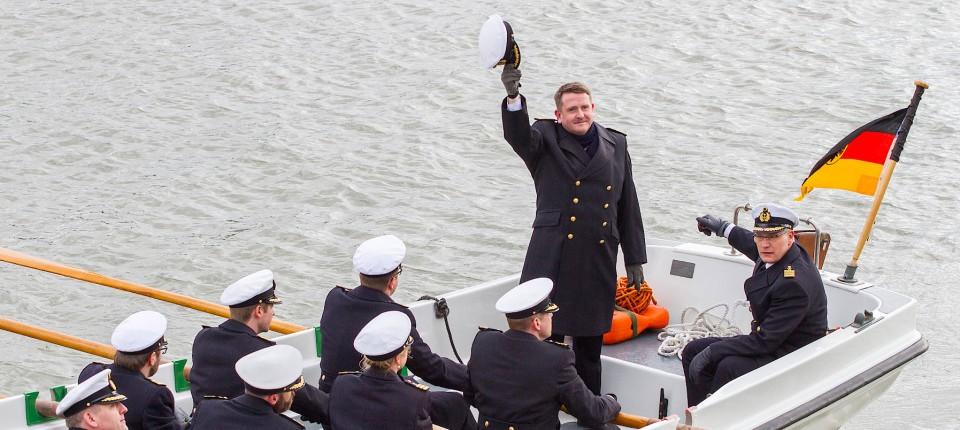 Kapitän zur See Horn bei seiner Verabschiedung in Wilhelmshaven