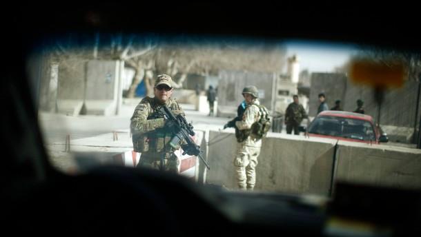 Taliban verüben Anschlag während Hagel-Besuchs