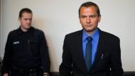 Der frühere SPD-Abgeordnete Sebastian Edathy am 2. März im Landgericht Verden.