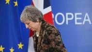 Viel Lärm um Nichts: Theresa May steht nach ihren erfolglosen Verhandlungen auf dem EU-Gipfel in der Heimat mal wieder unter Druck.