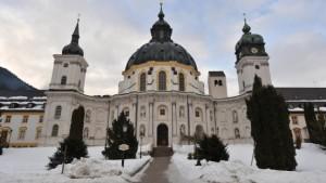 Ettaler Abt tritt zurück