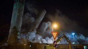 Industrie-Türme in Wetzlar gesprengt