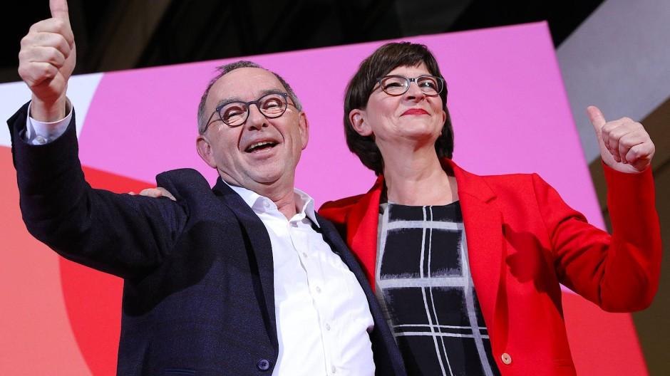 Nach oben gespült: Norbert Walter-Borjans und Saskia Esken