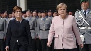 """""""Die Bundeswehr ist Teil unserer Gesellschaft"""""""