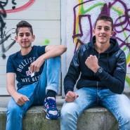 """Starke Thesen, starkes Management: Kamyar (links) und Dzeko stürmen mit ihrem Video """"Generation Sarrazin"""" das Netz"""