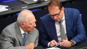 Schäuble gegen Dobrindt und Seehofer