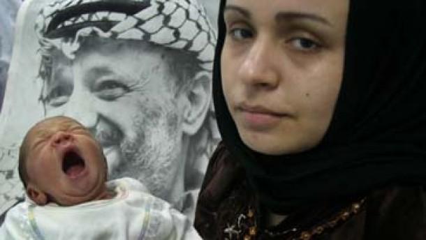 Führungsämter neu besetzt - ein Trio folgt Arafat