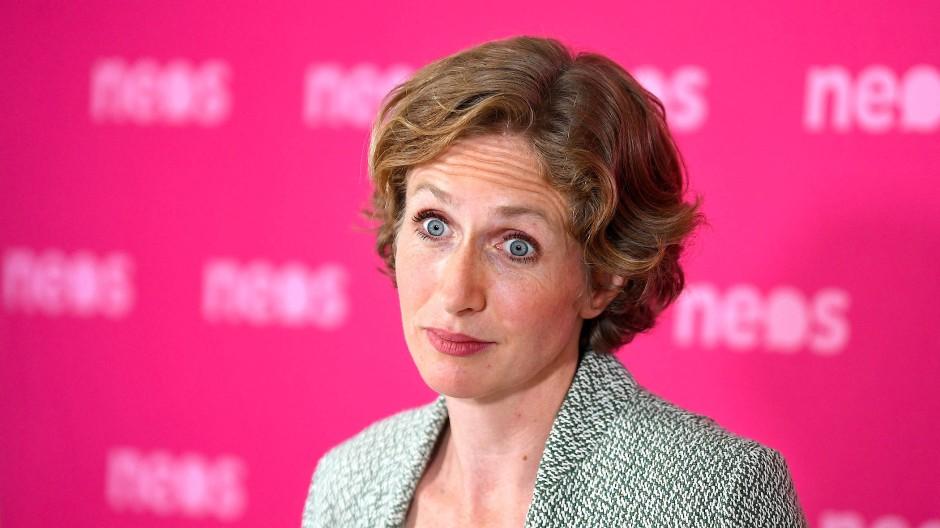 Machtmissbrauch, Postenschacher und Korruption? Stephanie Krisper will wissen, was in der Regierung Kurz I geschah.