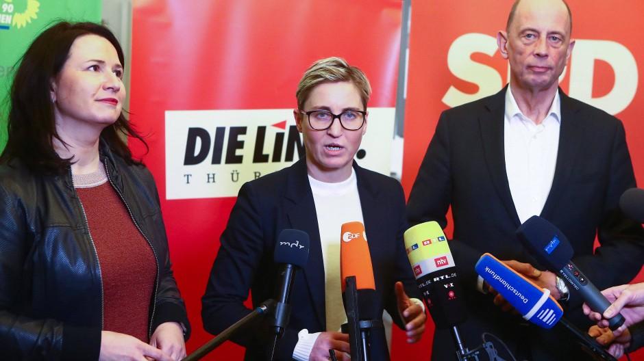 Welches Ressort hätten's denn gern? Anja Siegesmund (Grüne), Susanne Hennig-Wellsow, (Linke) und Wolfgang Tiefensee (SPD) am Donnerstag in Erfurt vor Journalisten