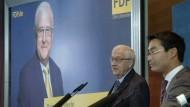 Bis spätestens 2019 müsse der Steuer-Zuschlag abgeschafft werden, um das Versprechen einer früheren schwarz-gelben Regierung umzusetzen, sagte Brüderle.
