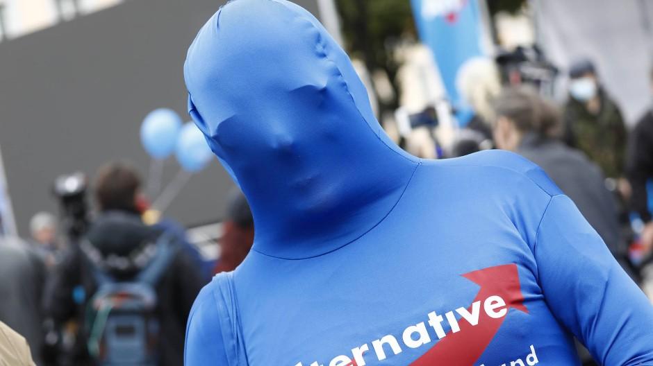 Mehr als ein blaues Phantom: Die AfD hat sich rechtsaußen etabliert.