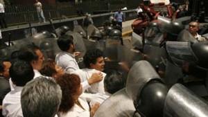 Gewaltsame Zusammenstöße in Mexiko-Stadt
