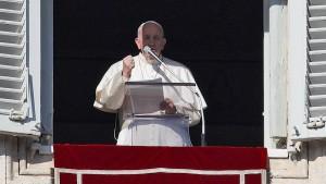 """Papst: Gewalt an Frauen ist """"Schändung Gottes"""""""