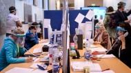 Mitarbeiter des Berliner Gesundheitsamtes im April