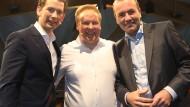 Vielfalt festgstellt: Österreichs Kanzler Kurz, JU-Chef Kuban und EVP-Spitzenkandidat Weber am Samstag in Hannover