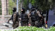 Angriff auf Istanbuler Polizeipräsidium
