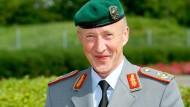Abgesetzt:  Der Generalmajor des Heeres der Bundeswehr und ehemalige Kommandeur des Ausbildungskommandos Heer, Walter Spindler,