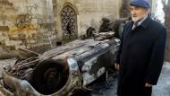 Am Tag danach: Der muslimische Geistliche Jusufspahic vor der Moschee in Belgrad