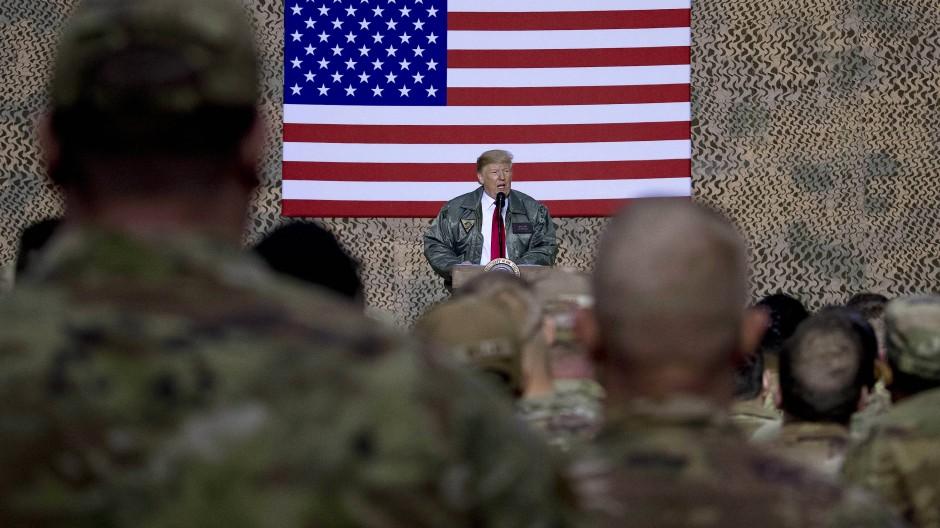 Am 2. Weihnachtsfeiertag 2018 besuchte Trump Soldaten im Irak.