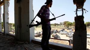 Heftige Gegenwehr der Gaddafi-Truppen