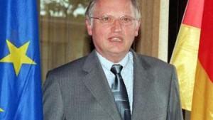 Verheugen: Zehn Beitritte bis 2004 möglich