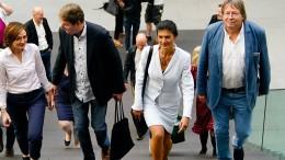 """Wagenknecht beklagt """"handfeste Krise der Demokratie"""""""