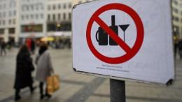 Gericht setzt landesweites Alkoholverbot außer Vollzug
