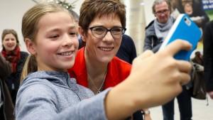 Was macht die CDU aus dem Fall Rezo?