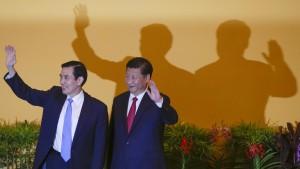 Historischer Handschlag in Singapur