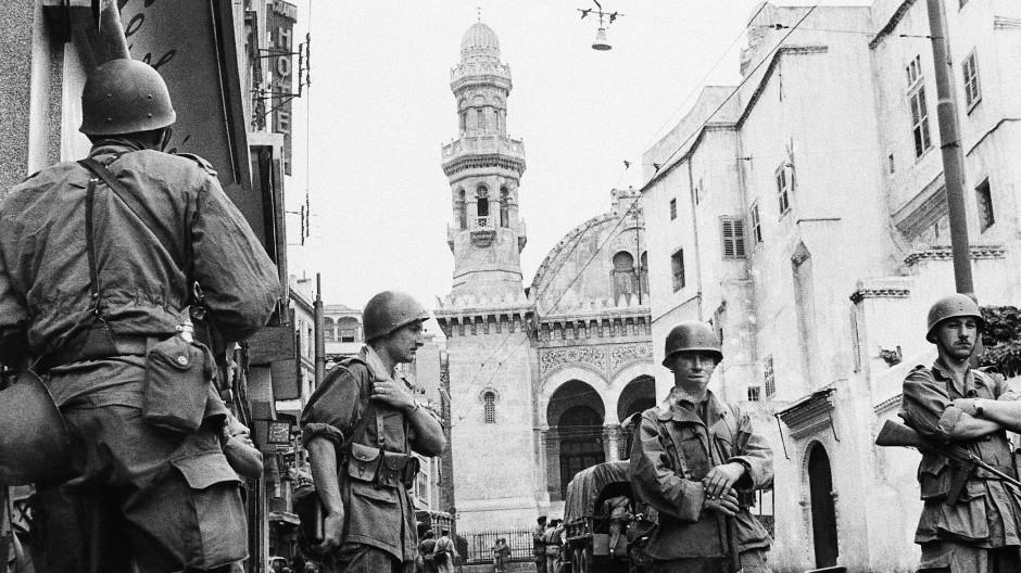 Französische Soldaten im Mai 1956 in der Hauptstadt von Algier