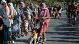 Merkel für neues EU-Flüchtlingslager auf Lesbos