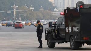 China verstärkt Kontrollen in Xinjiang und Tibet