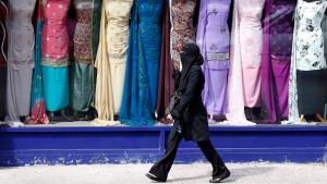 London fordert Illegale per SMS zum Gehen auf