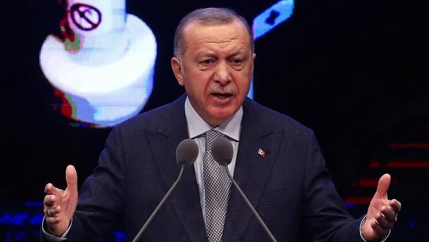 Erdogan warnt vor Sturz libyscher Regierung