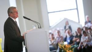 Gauck fordert besseren Zugang für Flüchtlinge in Europa